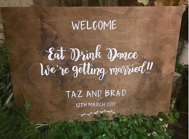 EAT | DRINK | DANCE ⠀ ⠀ ⠀ #chalknco #chalkart #weddingsign #sign #signwriter #welcome #welcomesign #perthweddings #weddinginspo #Love #married #wedding#chalkart #perth