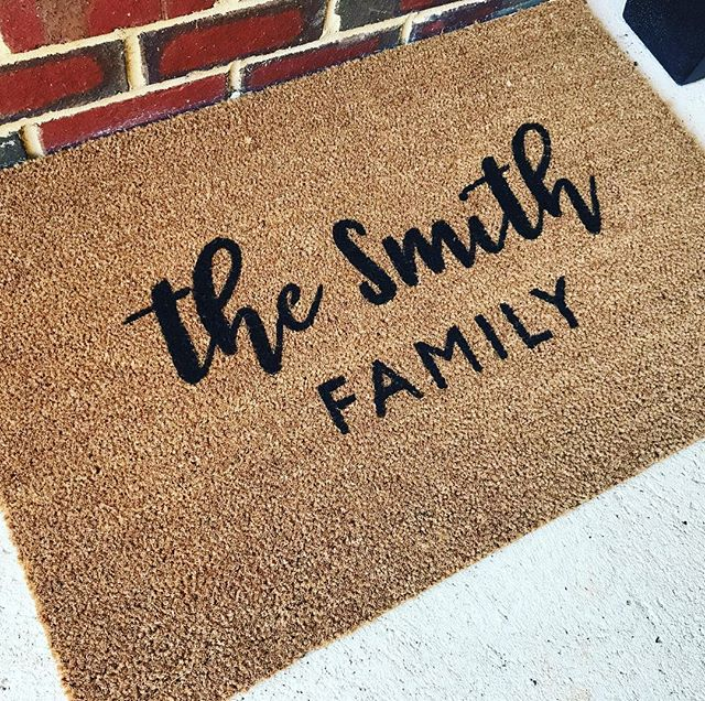 Last few days for custom mat orders for pre Christmas arrival! #chalknco #giftideas #rundontwalk #christmas #christmasgiftidea #personalised #doormat #familydoormat #love #perth