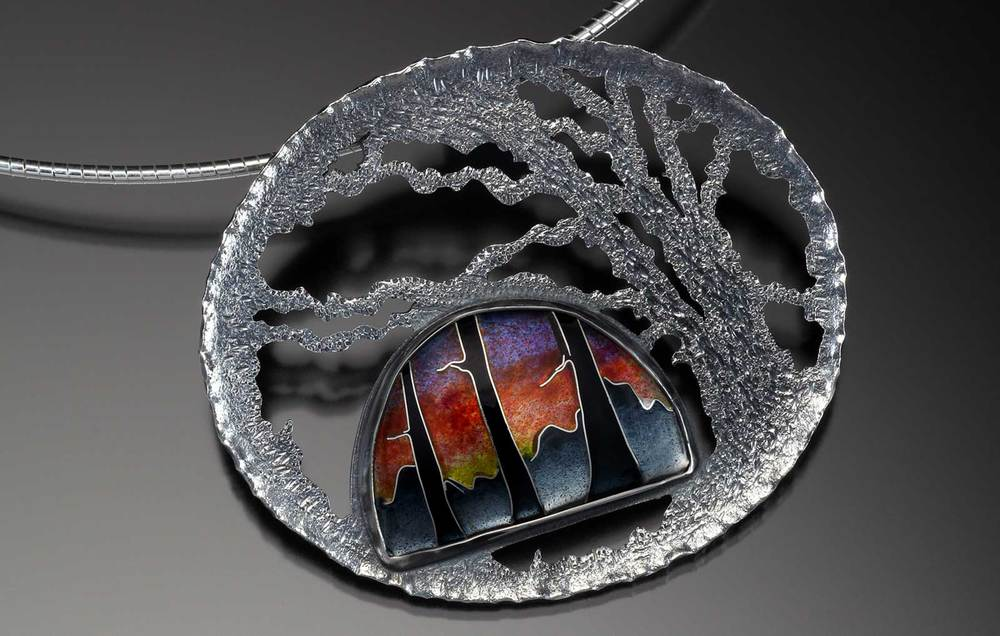 BREATHE THE LIGHT pendant of sterling silver, fine silver, cloisonné enamel, 4.45 x 5.40 x 0.64 centimeters, 2013.