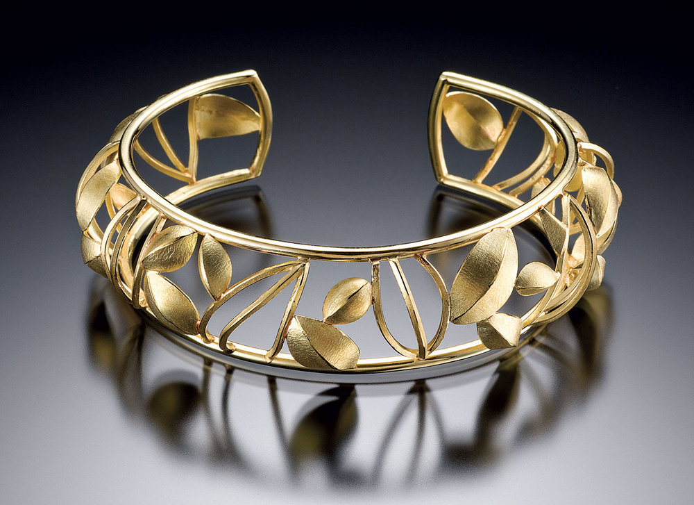 OPEN FRAME POD CUFF of eighteen karat gold, 2009. Photograph by Hap Sakwa.