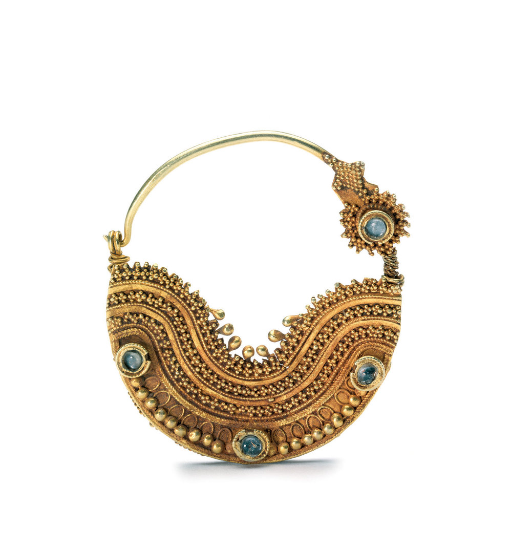 NOSE RING  (nathad)  of gold, topaz, showing miniature granulation, 5.1 x 4.4 centimeters, Gujarat, late eighteenth to early nineteenth century.