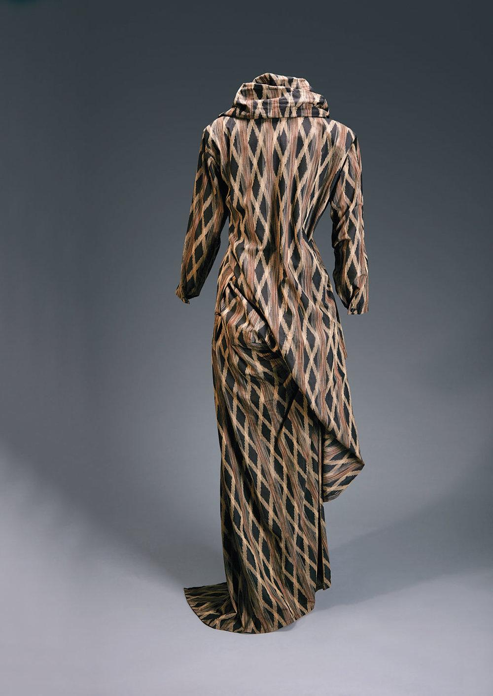 Shockwave-Issey-Miyake_Jacket-w-Transformable-Bustle-and-Asymmetric-Skirt.jpg