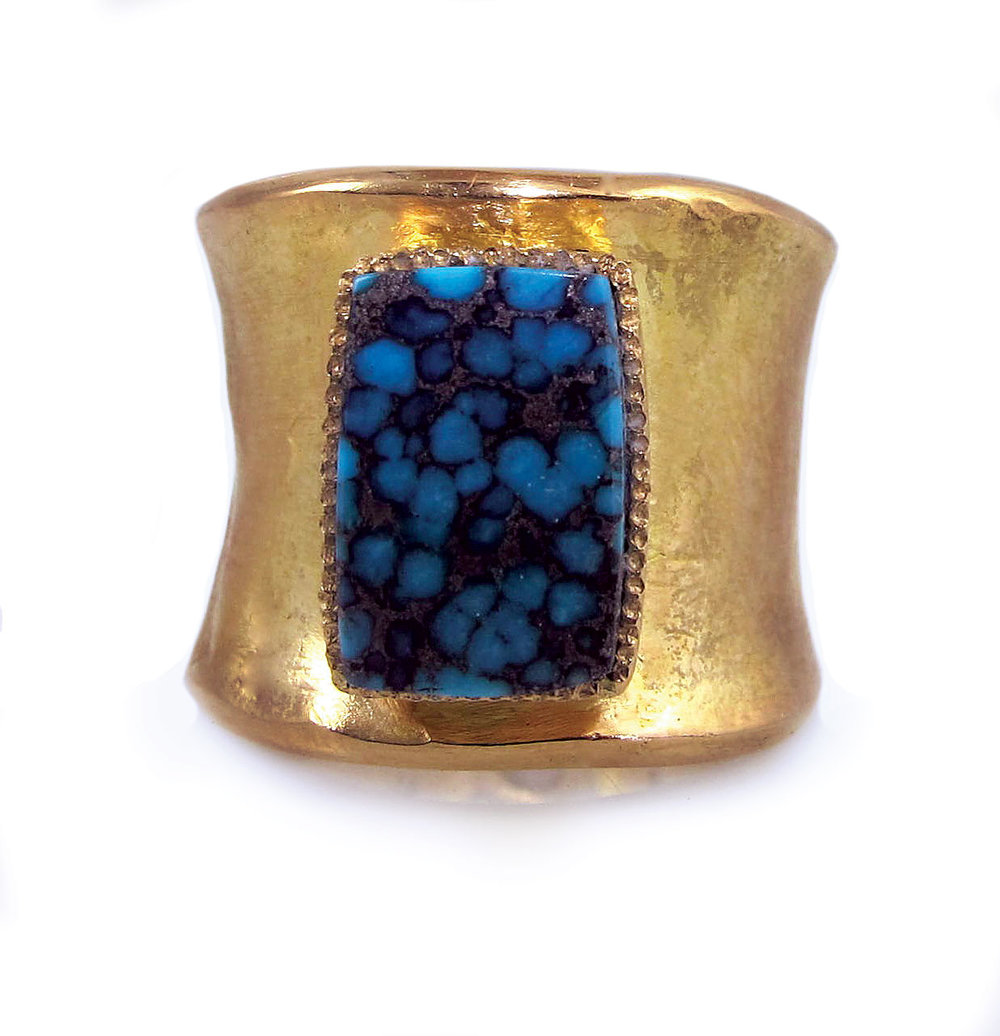 BISBEE TURQUOISE RING of eighteen karat yellow gold, Bisbee turquoise, white diamonds, 2.5 x 2.5 x 1.9 centimeters, 2015.