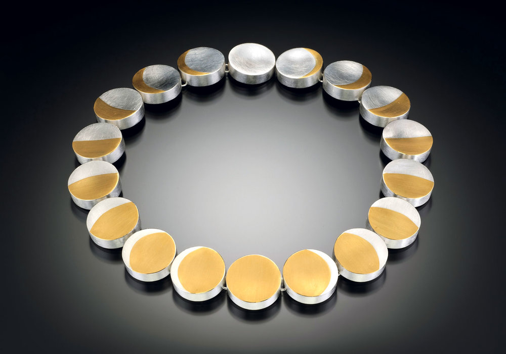 PHASES OF THE MOON NECKLACE of sterling silver, twenty-two karat gold, 47.0 x 2.5 x 0.6 centimeters, 2009.