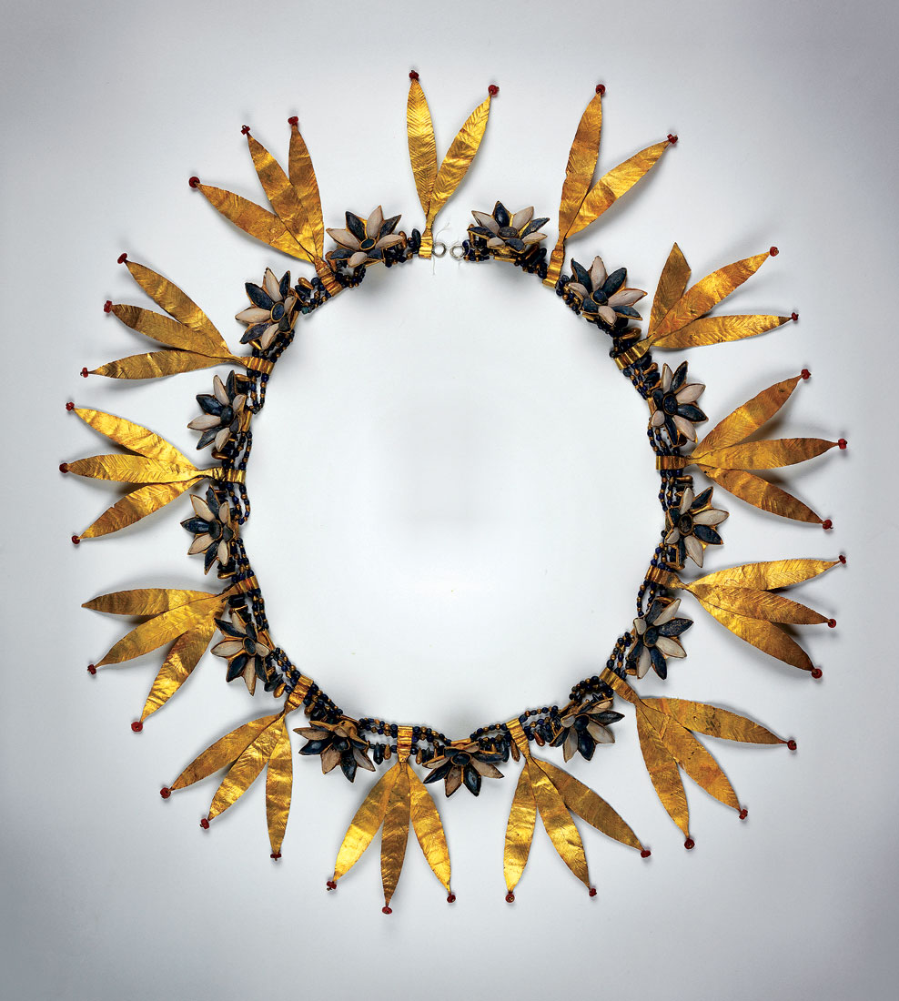 WILLOW WREATH of gold, lapis, carnelian, and shell.
