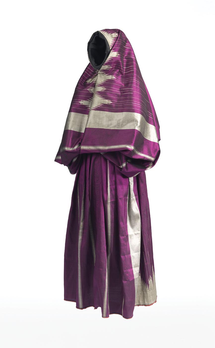 c269030f3c8f WOMAN S BODY COVERING ( çarshaf ) of silk
