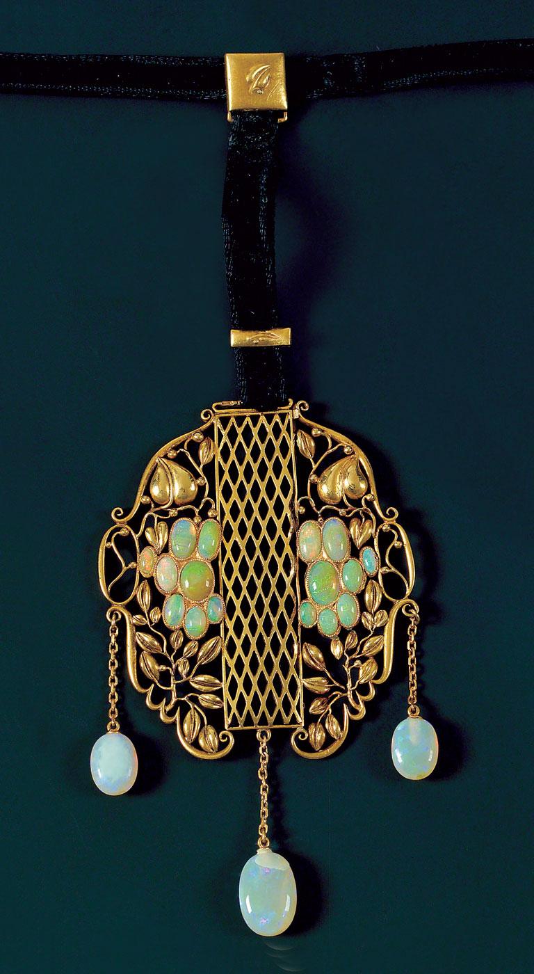 Werkstatte_6.-Josef-Hoffmann,-pendant,-1915.-Private-Collection,-courtesy-NGNY.jpg
