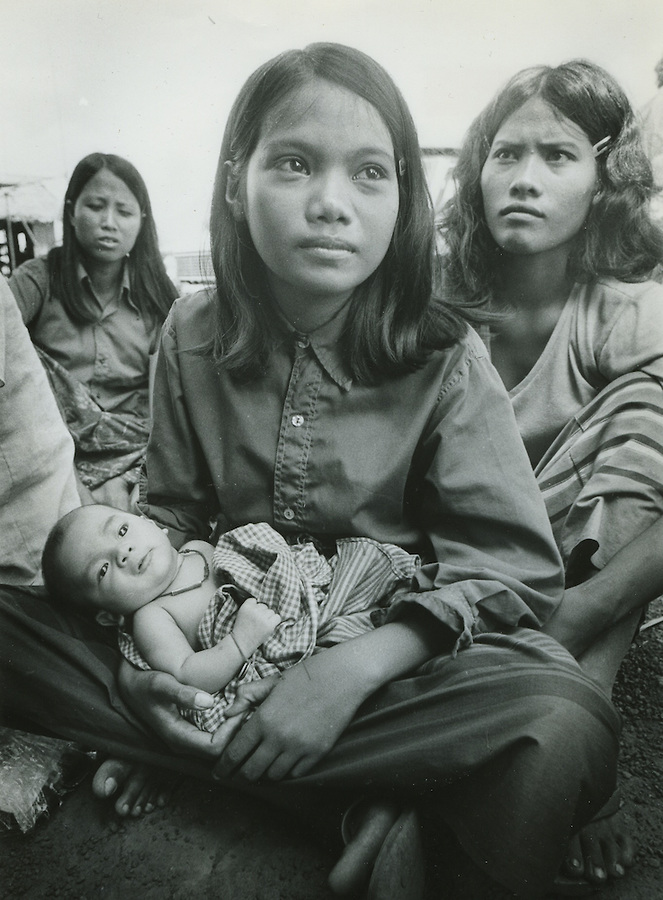 Cambodian Refugee with Child   (click to enlarge)