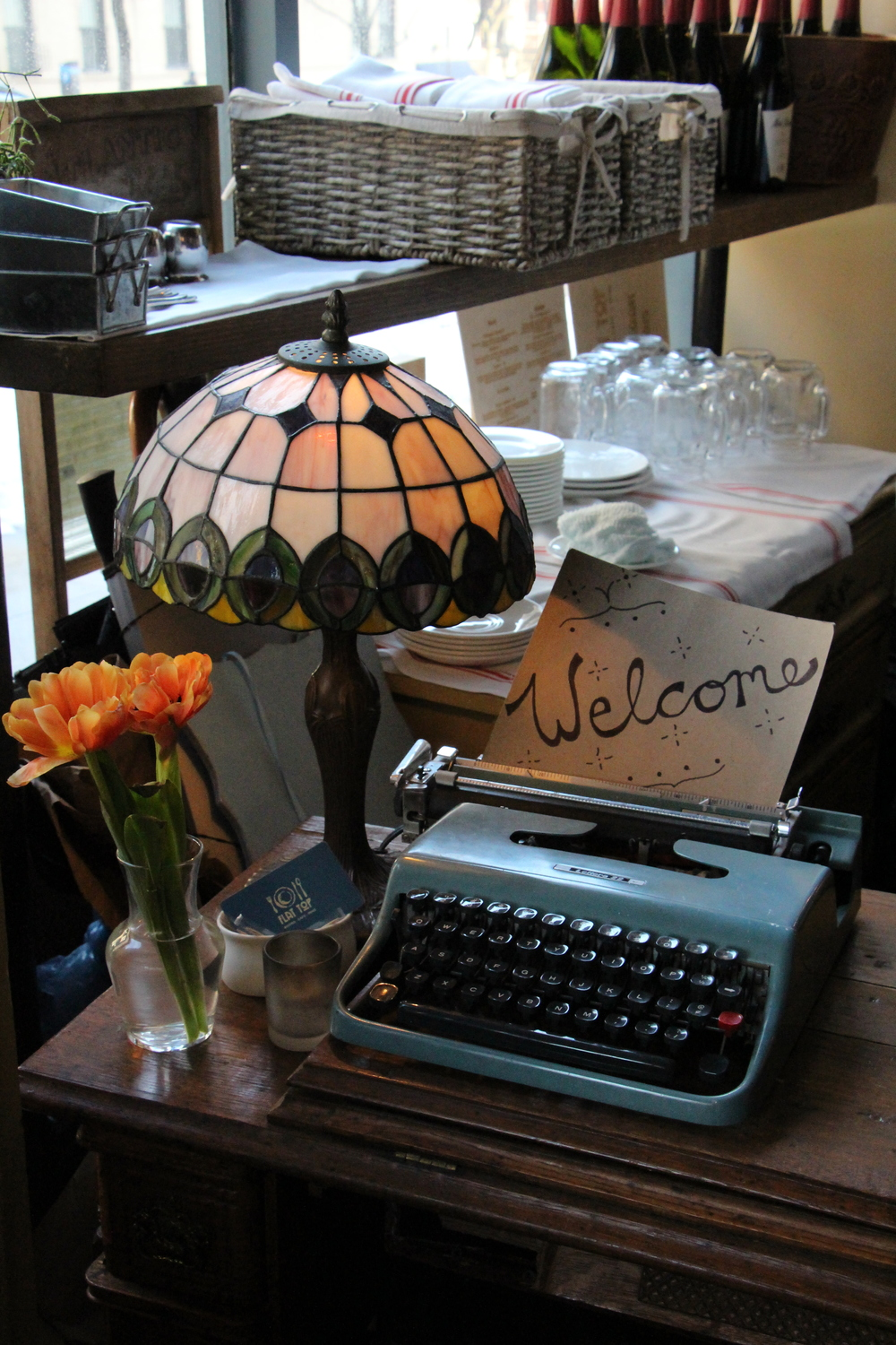 Digging the stained glass lamp and typewriter