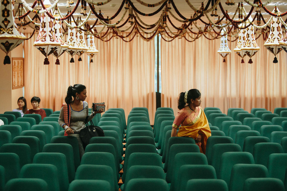 singapore-wedding-photographer-temple-bavani-sugu-18.jpg
