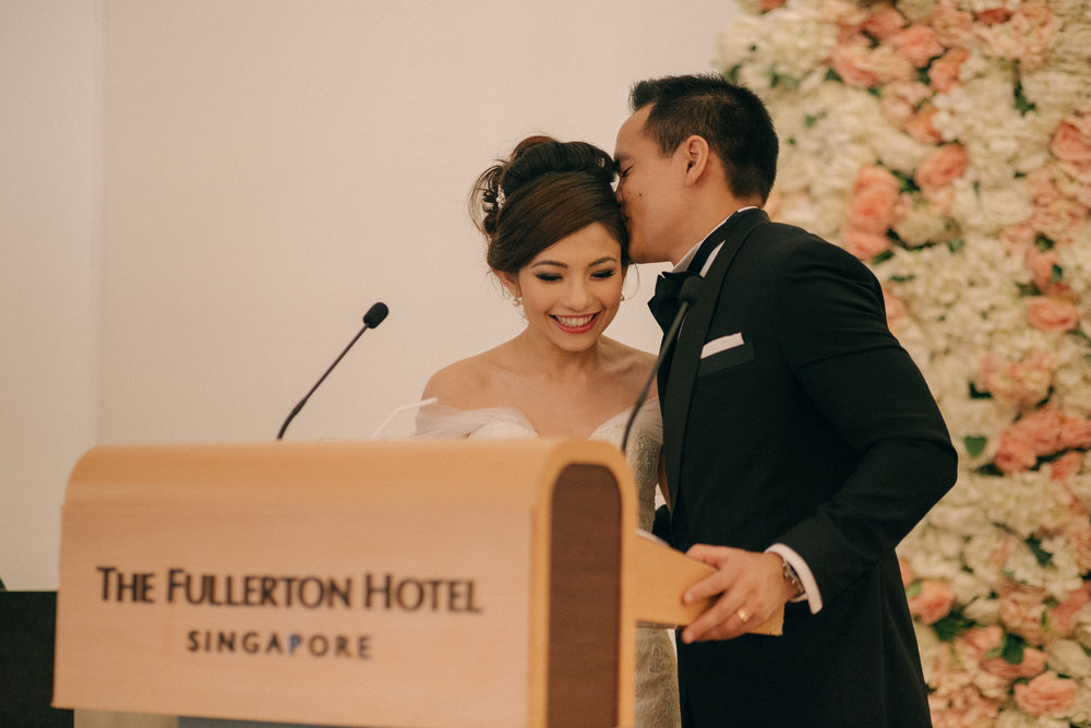 singapore-wedding-photographer-cheryl-matthew-fullerton-hotel-wedding-61.jpg