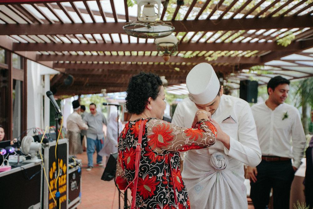 singapore-wedding-photographer-dinah-sam-wemadethese-15.jpg