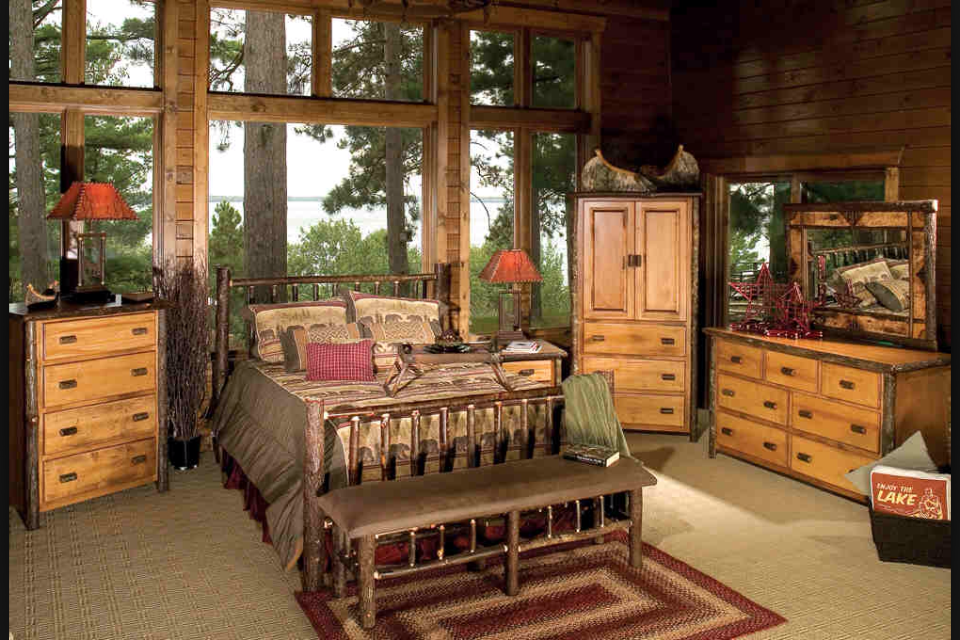 Traditional Hickory Bedroom Set