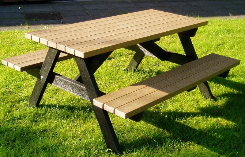 Picnic-Tables-0v0v.jpg