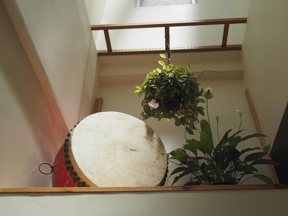 dojo_interior_drum.jpg