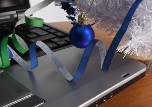 christmas_laptop.jpg