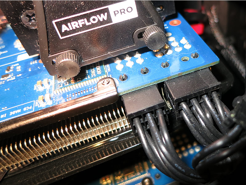 Here you have both the 6-pin and 8-pin connected right to the graphics card