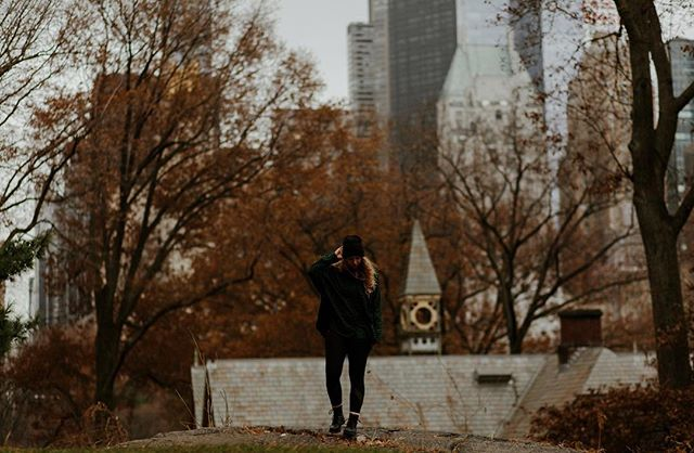 We love the the warm tones of Fall and the overcast skies of Winter. What are your favorite seasons for photography? 🍁 • Shot on: Canon 5D Mark III // Canon 85mm f/1.8 • • • • • • • • • #centralparknyc #centralparkmoments #newyorklike #newyorklife #travelcouple #coupleswhotravel #passportready #passportlife #travelpassport #passportexpress #travelinspiration #travelinspo #beautiful_world #travelingtheworld #traveladdicted #instavacation #travelblog #worldnomads #weliketotravel #seetheworld #traveltogether #creativetravelcouples #lovetotravel #travelpic #worldtravelers #travellove #couplesofinstagram #travelwithus #travelwithme #travelnow
