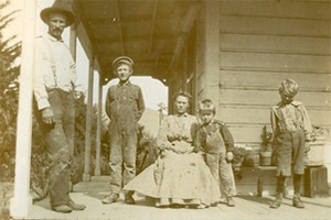 First generation Reinstein family at home on Finley Road.