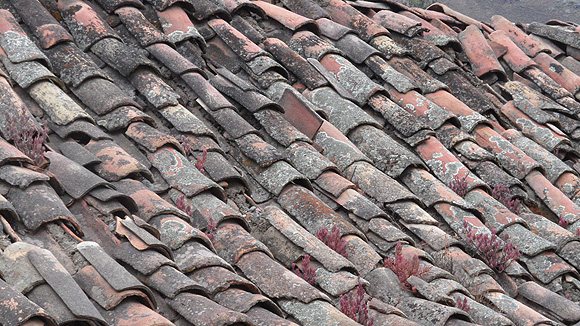 6-peru-pictures-clay-tile-roof1