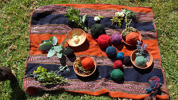 7-peru-pictures-textiles-yarn