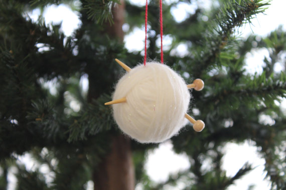 christmas-tree-ornaments-knitting