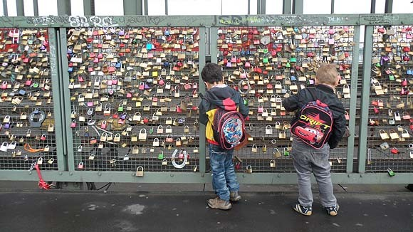 locks-of-love-cologne-3