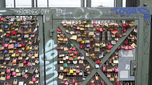 locks-of-love-cologne-5