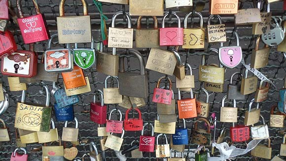 locks-of-love-cologne-6