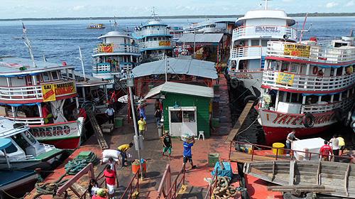 manaus-brazil-tourism-boats
