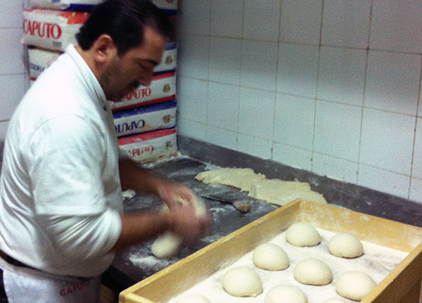 napoli-pizza-italian-dough-2