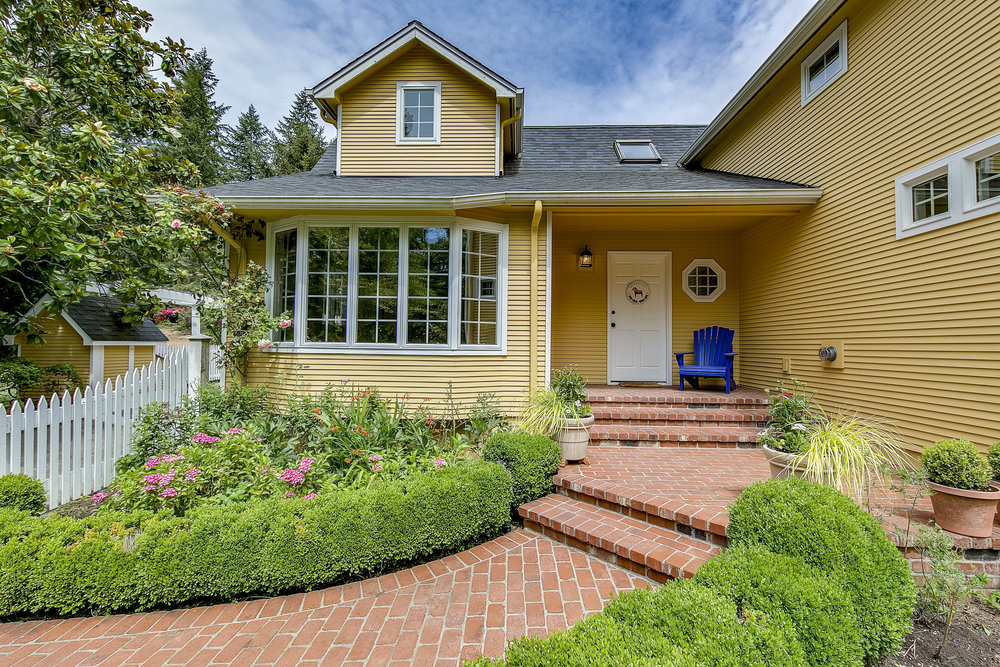 *5990 Battle Point Drive NE, Bainbridge Island | Sold for $765,000