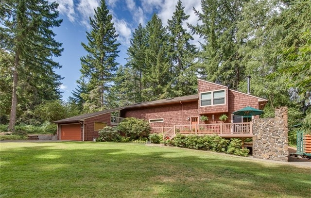 **7480 NE Bay Hill Road, Bainbridge Island  |  Sold for $570,000