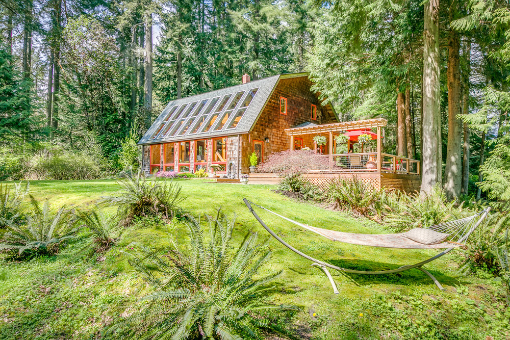 *9838 NE Day Road E, Bainbridge Island | Sold for $875,000