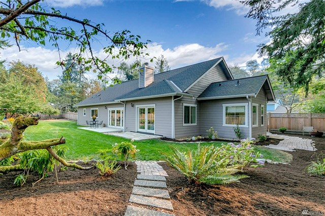 *563 Park Ave NE, Bainbridge Island | Sold for $930,000