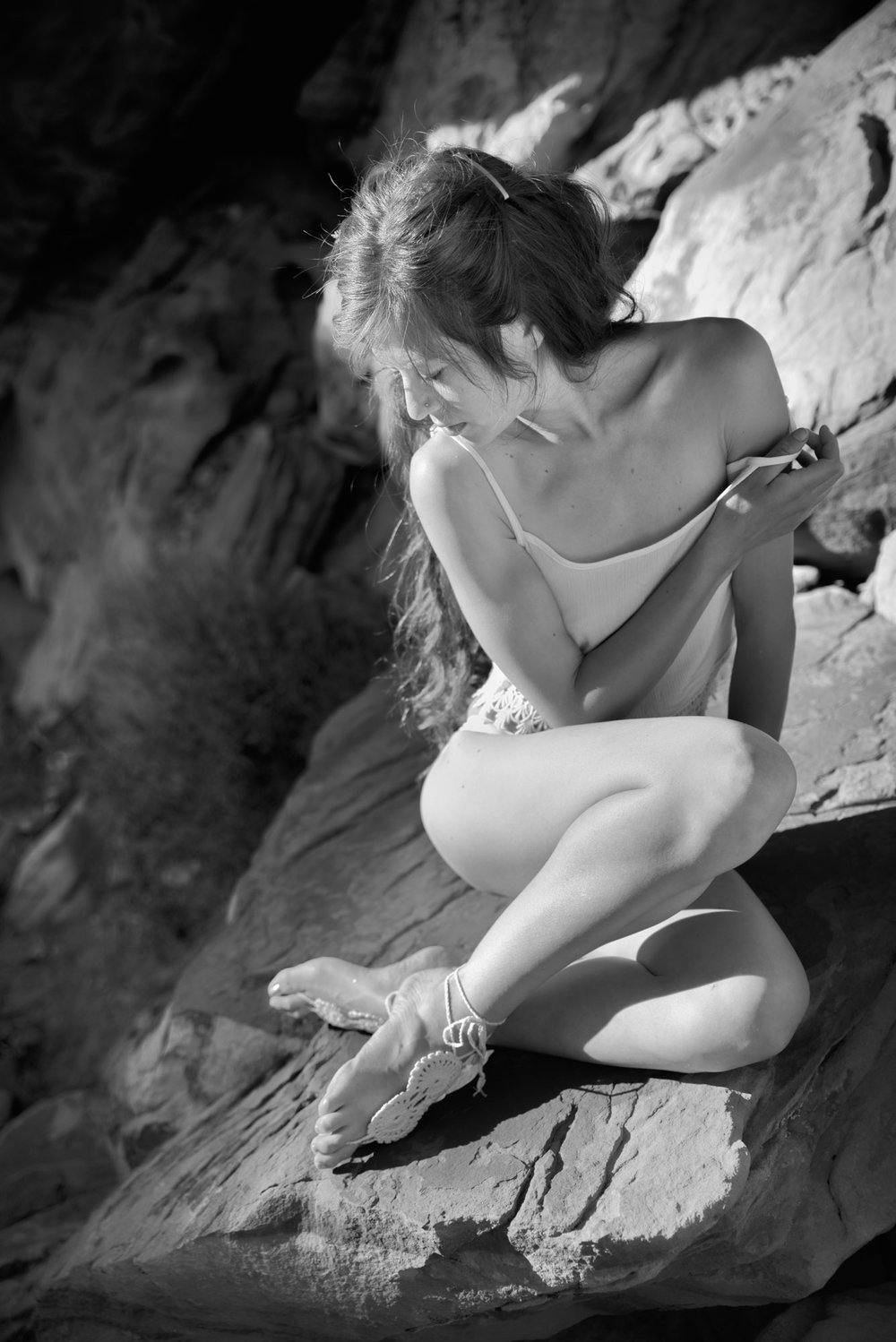 outdoor boudoir woman on rock