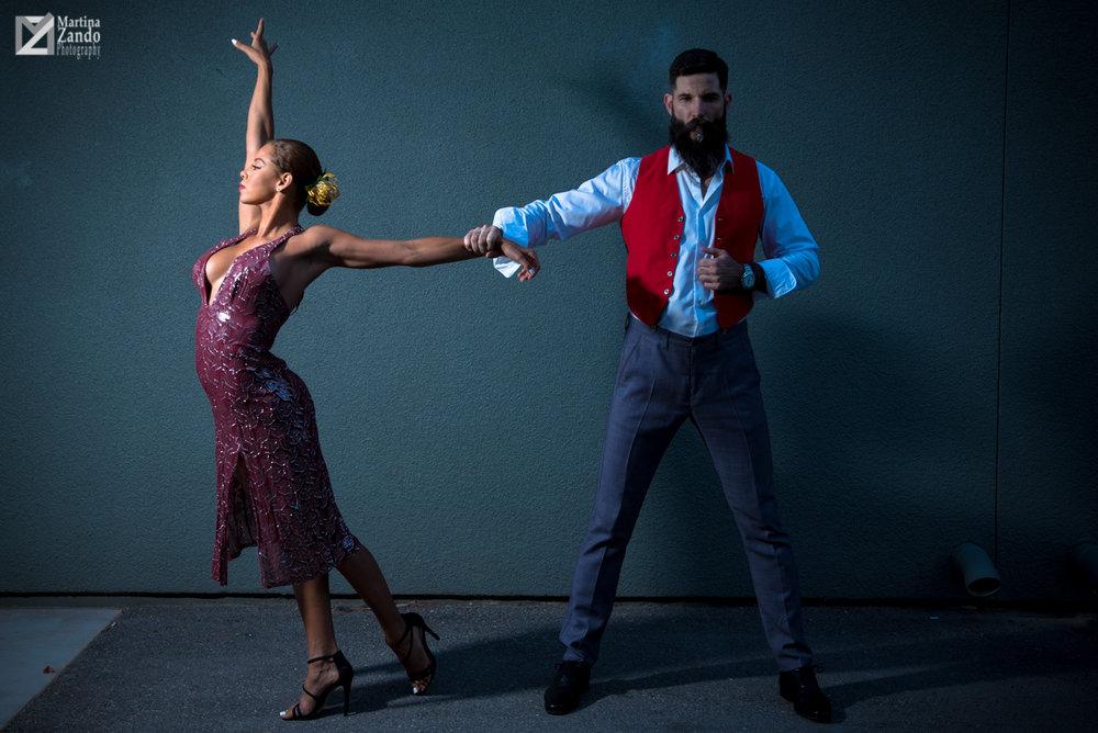 lifestyle photographer captures tango dancers