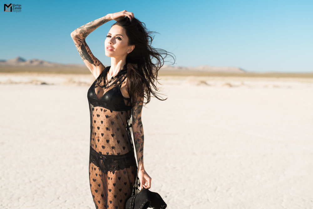 Desert boudoir photography outfit idea