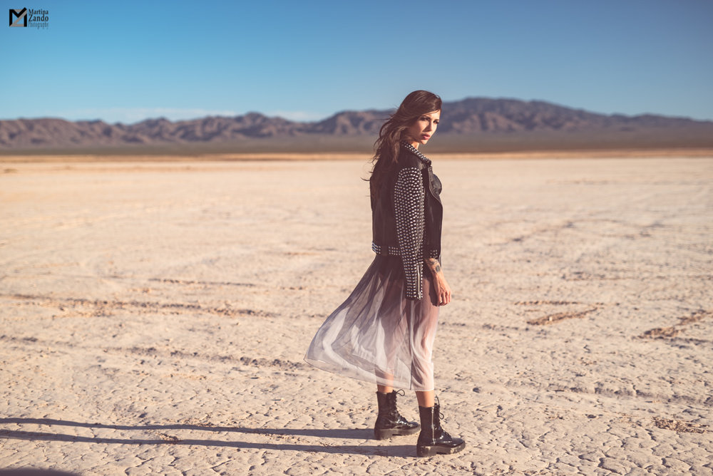 rock chic outfit idea desert photoshoot