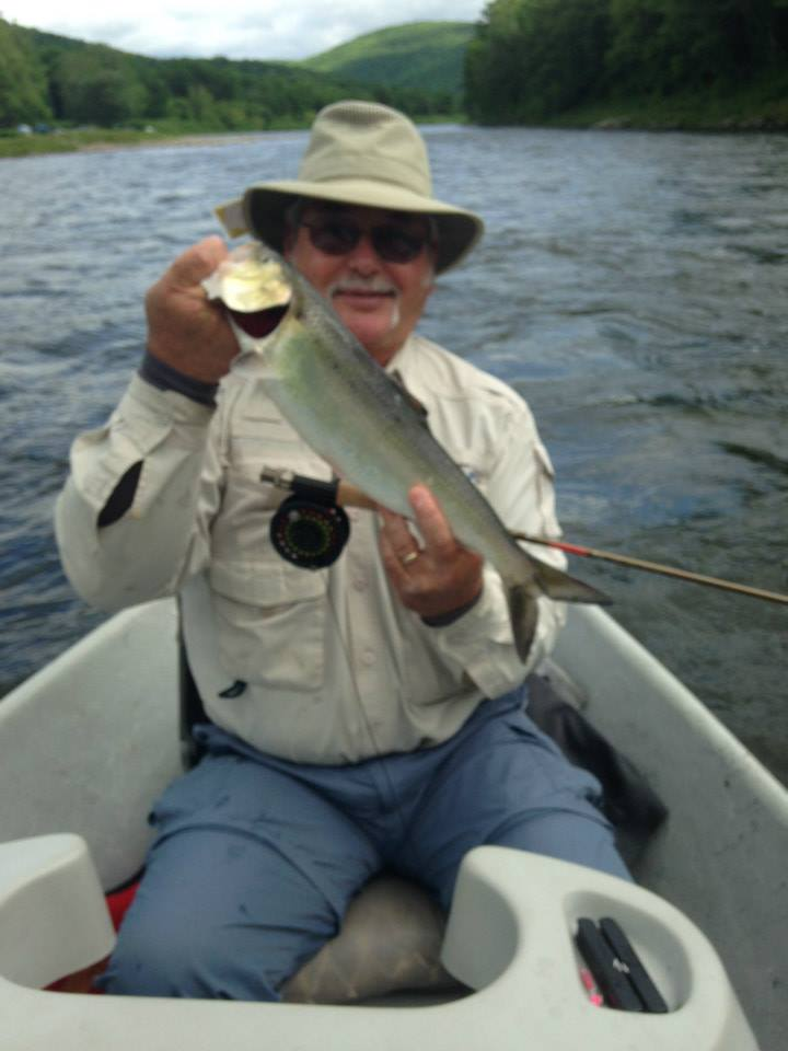 Fly fishing for Shad on the Delaware river