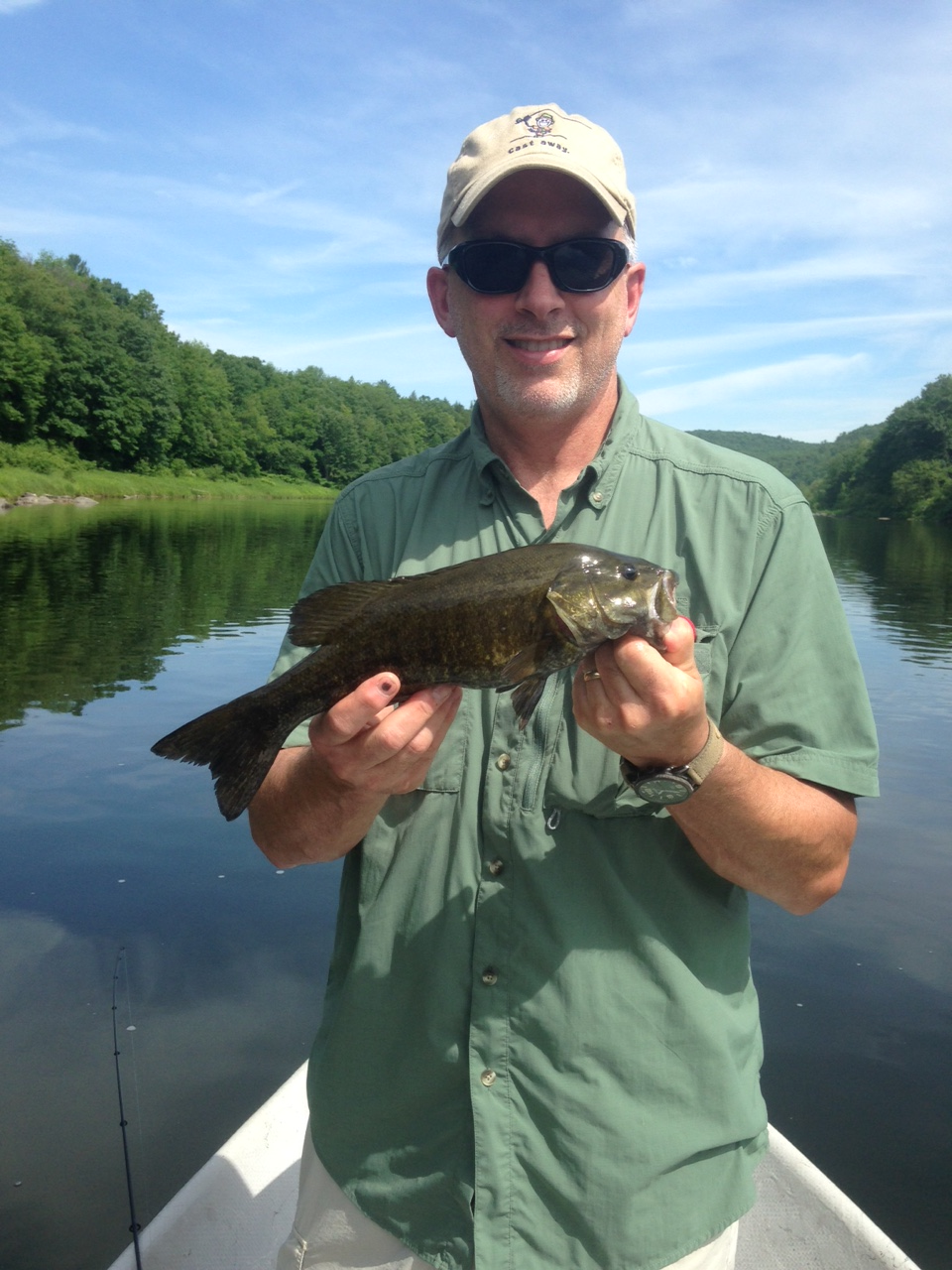 6/14/15 Dave L. gets into some decent smallmouth on a nice day!