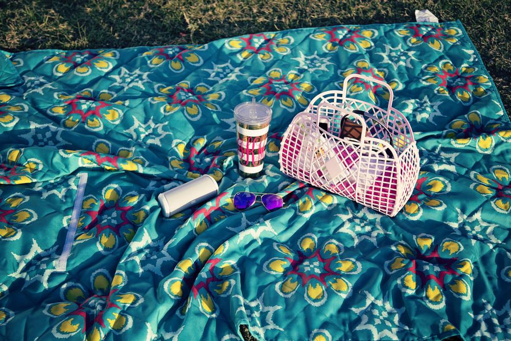 *Picnic/beach blanket- Target , Jelly bag- Sun Jellies , Glasses-  Ray Ban  , Bluetooth speaker-Target
