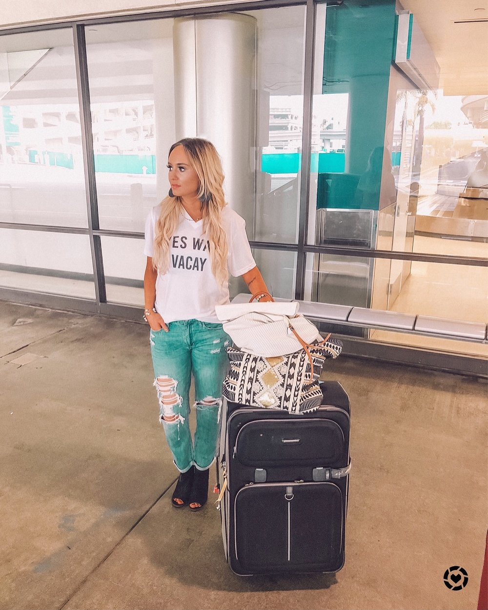 Yes way vacay tee:   Pink lily Monogram's