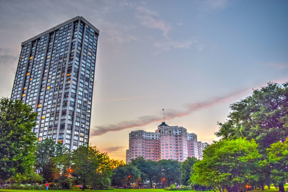 edgewater foster sunset color consolate chicago building classic architecture clouds .jpg