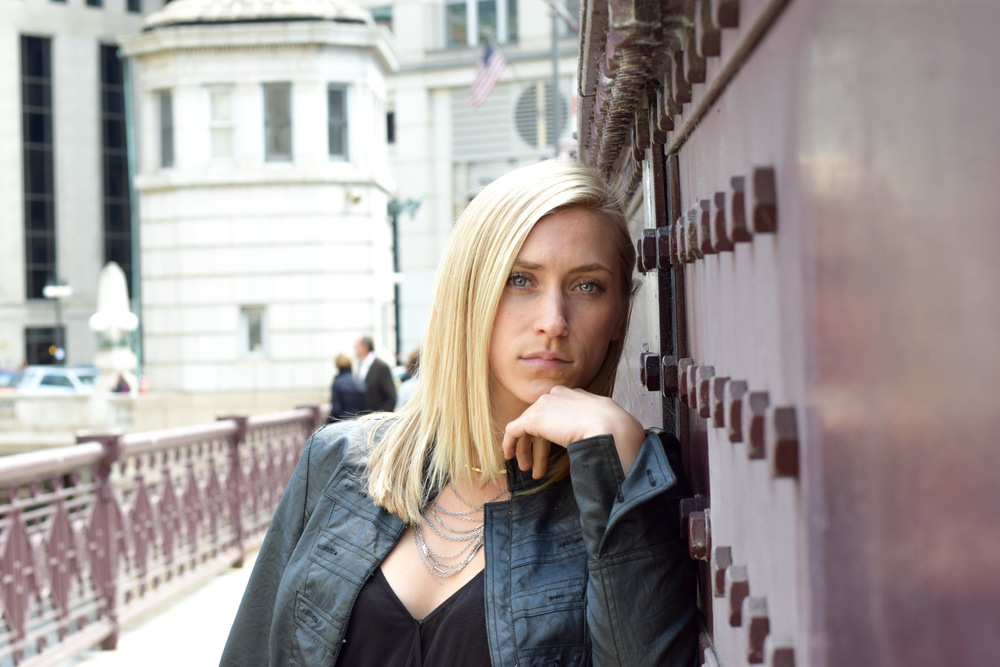 kelsey-cityscape-bella-ocche-chicago-pensive-positive-fashion-girl-colorful-bridge-model-blonde-beautiful.jpg