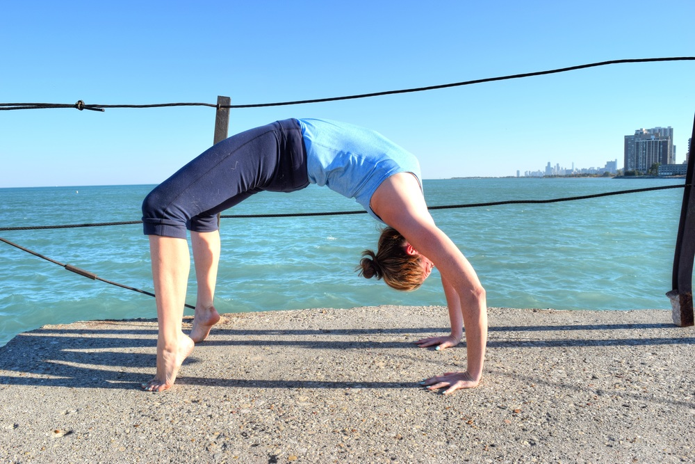 laura-yoga-poses-chicago-skyline.jpg