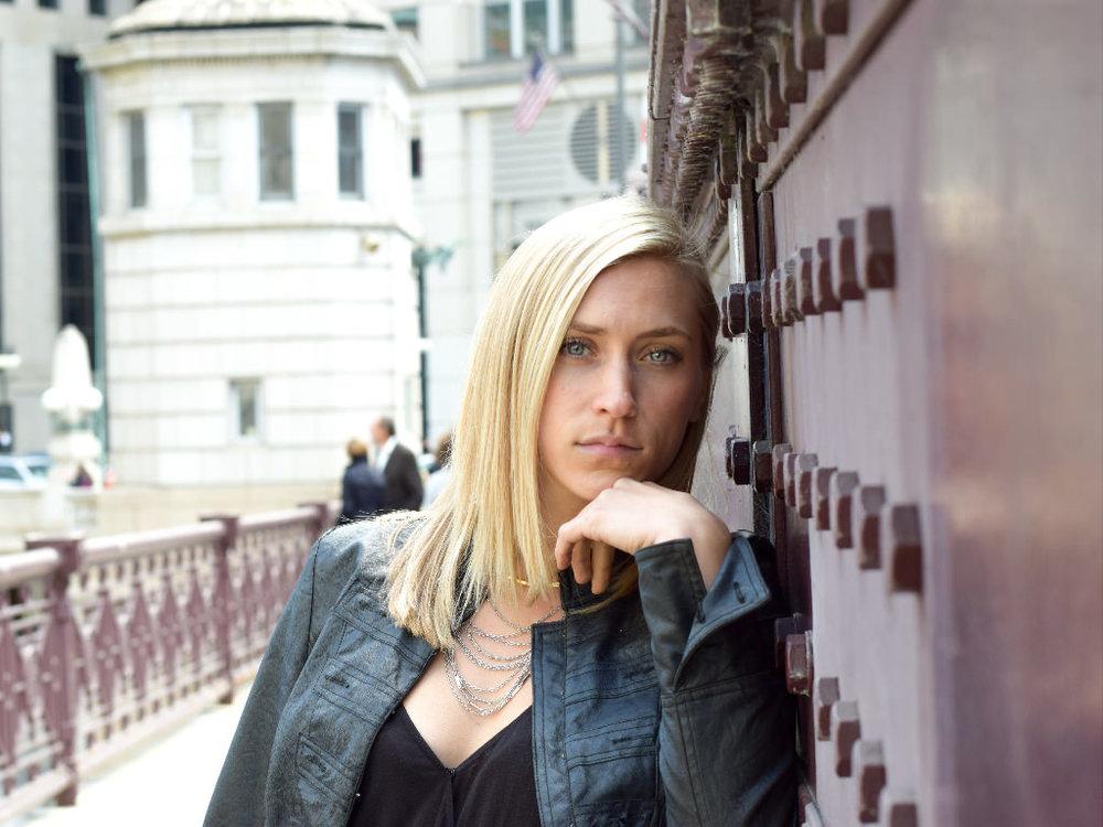 eric formato photography formatografia chicago photographer kelsey--cityscape-bella-gaze-chicago-pensive-positive-fashion-girl-colorful-bridge-model-blonde-beautiful.jpg