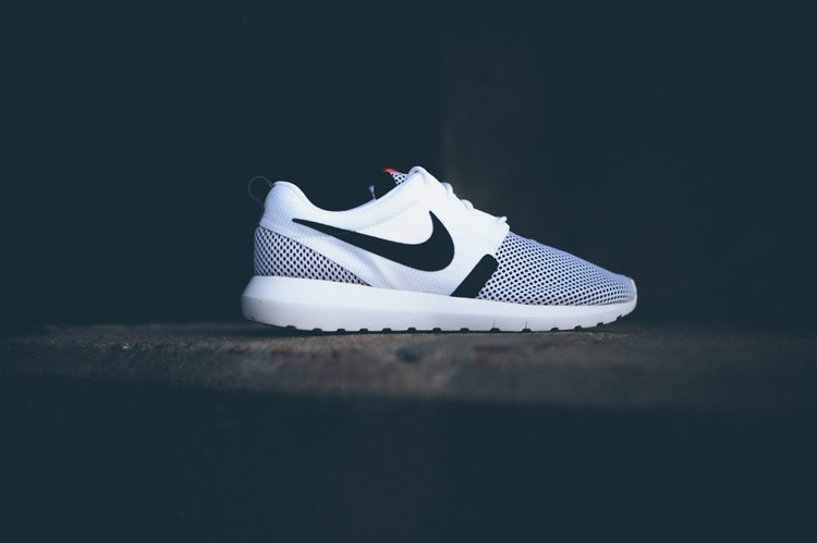 65e0bf6dc671 Note Number 4  Purchase the Nike Roshe Run NM Breeze