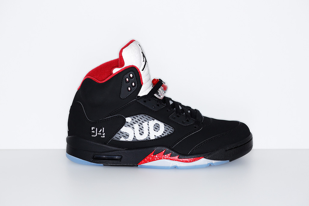 972680e1530 Supreme and Air Jordan is an imperial collaboration. Both brands credit the  golden era of popular culture