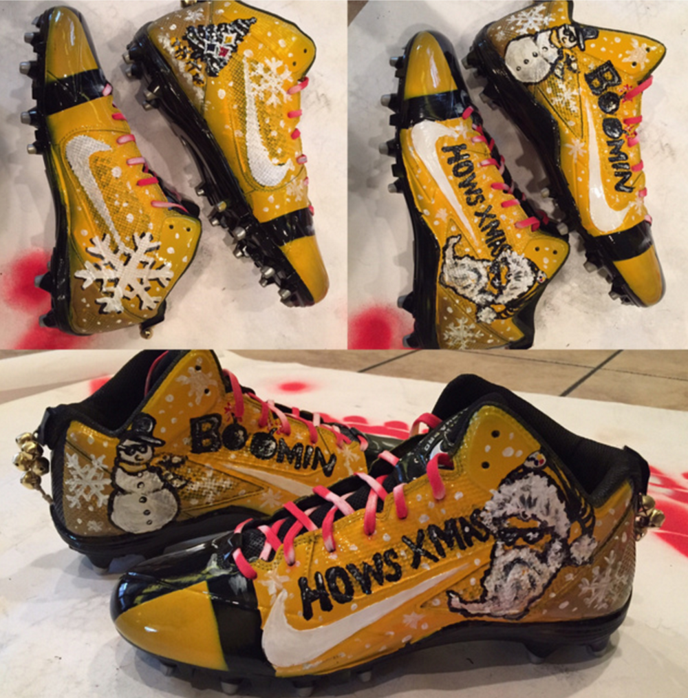 Antonio Brown's Christmas day cleats. Photo by Jeremy Fowler of ESPN
